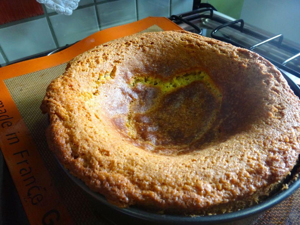 Sem coração: levei meu bolo a se afundar num buraco :_(